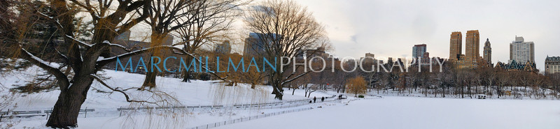 A Snowy Afternoon in the Park (Wed 1/12/11)