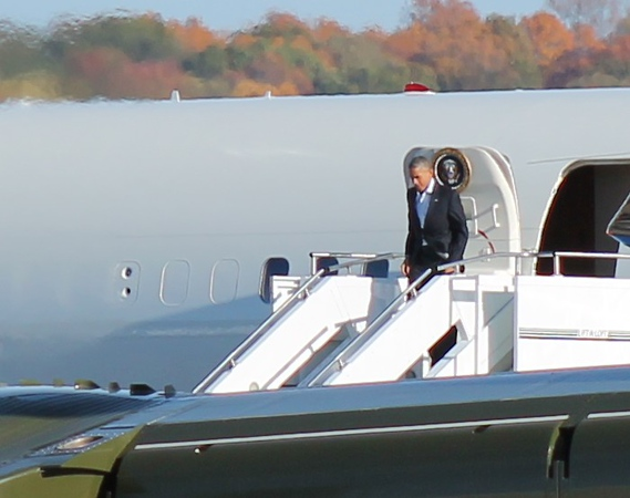 President Obama at Tweed-New Haven Airport