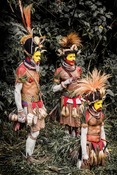 Group of Huli wigmen