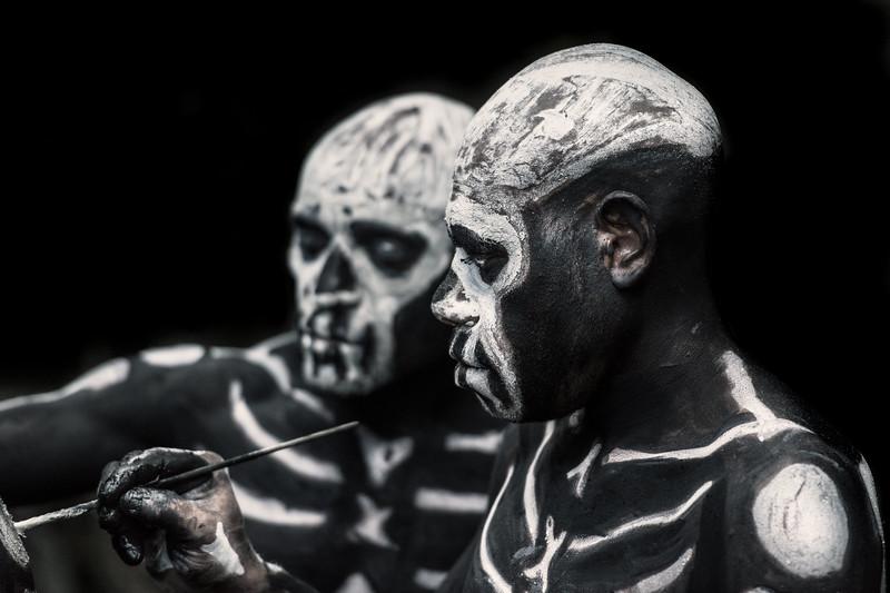 Skeleton men at work