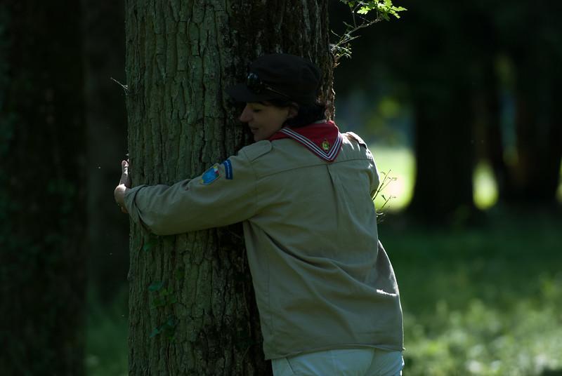 Ultime câlin à cet arbre qu'on ne reverra sûrement pas de sitôt après ces 10 Ans