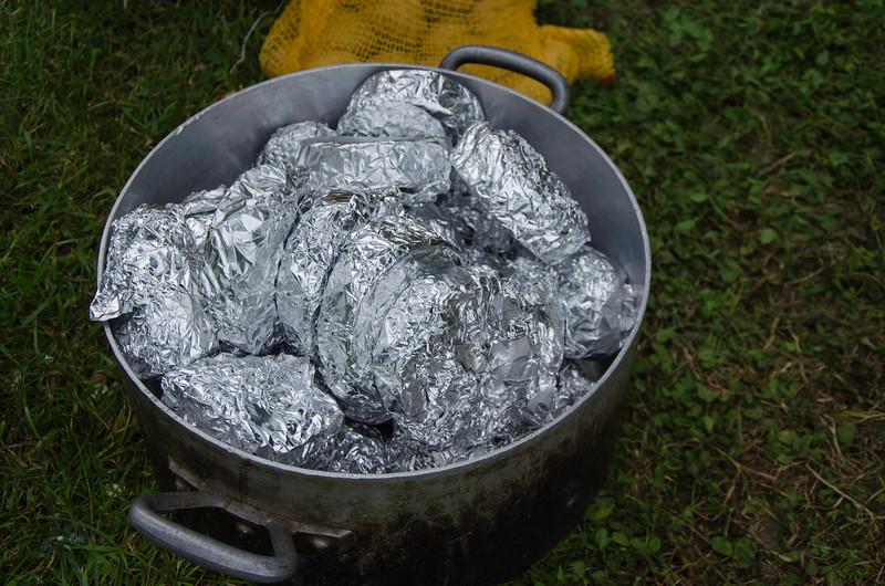 Les camemberts prêts à aller sous la cendre