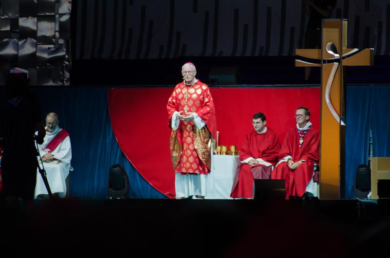 L'archévêque de Strasbourg fait son homélie