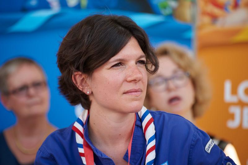 Discussion avec des représentants chefs et jeunes des Scouts et Guides de France