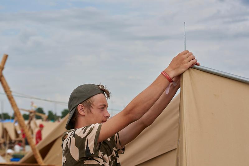 Retendre les tentes, un métier