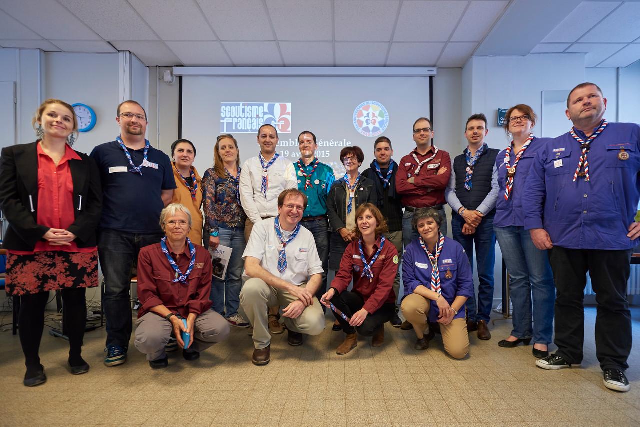 L'ancien et le nouveau bureau du Scoutisme Français.