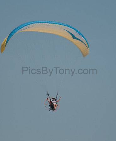 Folks Parachute Flying on May 3,  2015