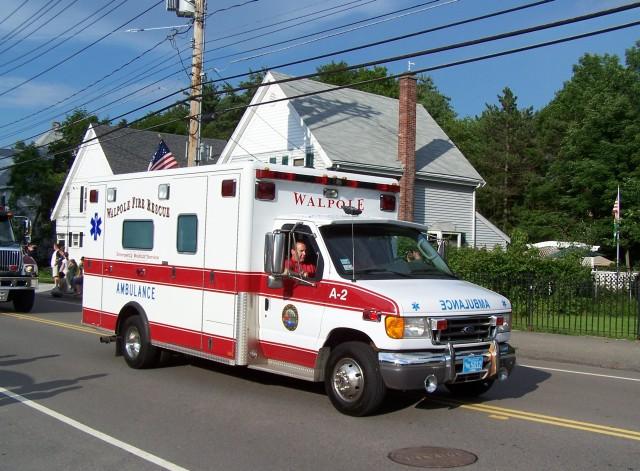 Walpole, MA Ambulance 2 - 2004 Ford E-450/Horton