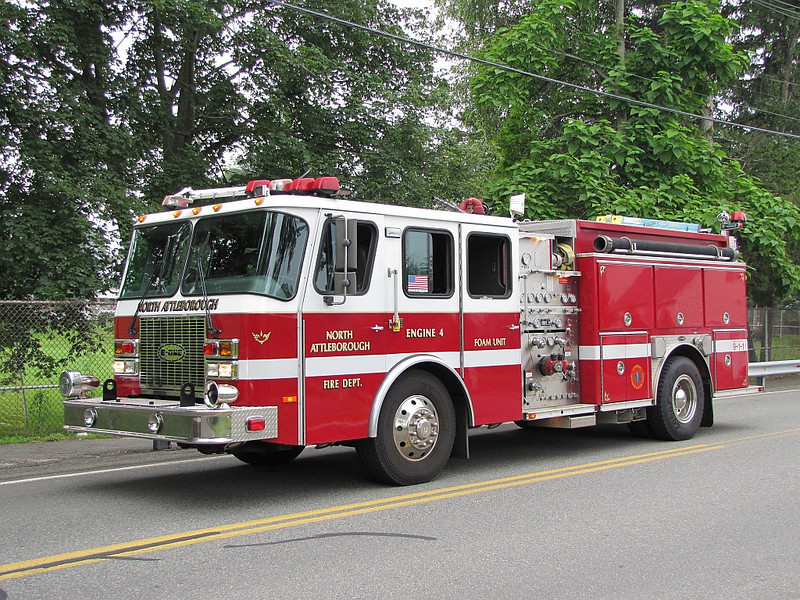 North Attleborough, MA Engine 4 - 2000 E-One Cyclone II 1250/1000