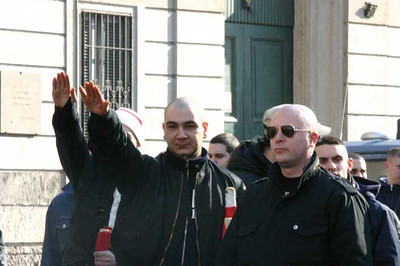 Leader of the right side of the protesters, greetings, 11 March 2006, Corso Buenos Aires, Milano