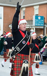 Mississauga Santa Parade  Photo by Riziero Vertolli
