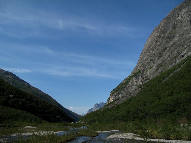 Vole-Litldalen: Landing i en idyllisk dal