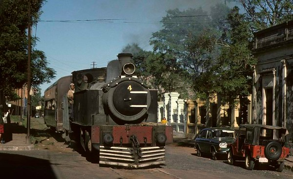 Ferrocaril Presidente Carlos Antonio Lopez No 4, Asuncion, Paraguay, 19 October 1976 5.  Running through the streets near San Francisco station with its one coach train.  Photo by Les Tindall.