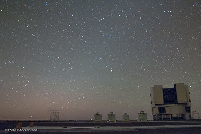 Paranal with the AT units and Antu UT1