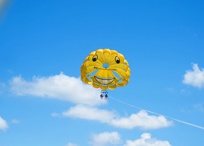 parasailing friends - Cincinnati