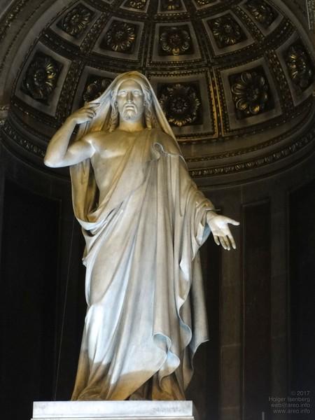 La Madeleine. Jesus statue.