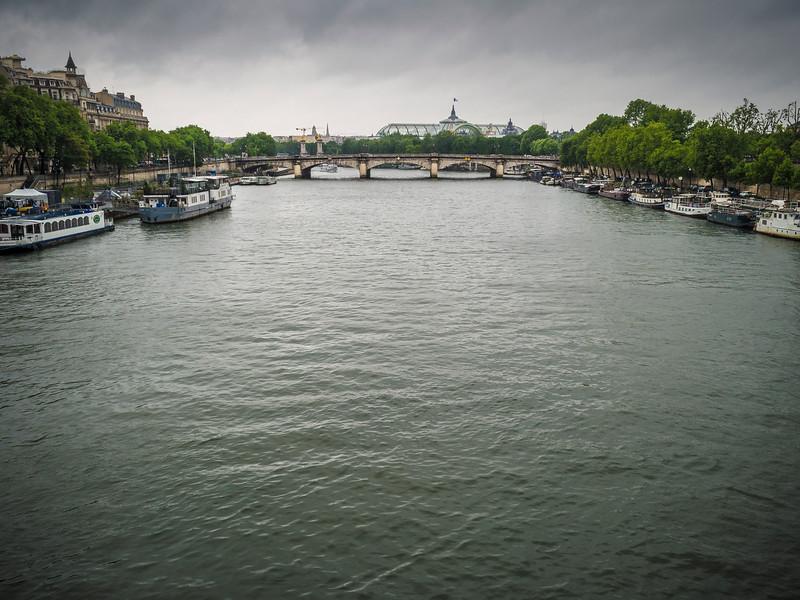 Pont de la Concord crossing the River Seine Paris
