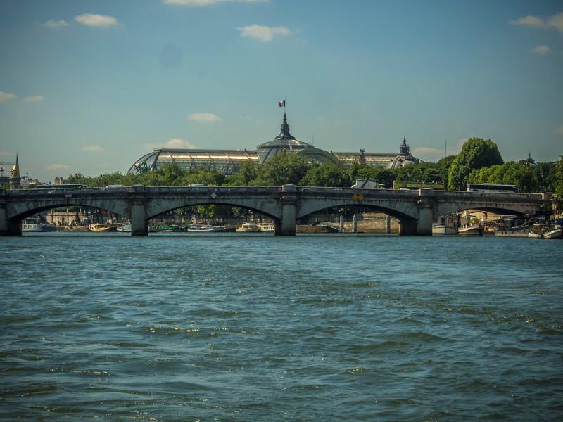 Pont de la Concorde and Musee D'Orsay Paris