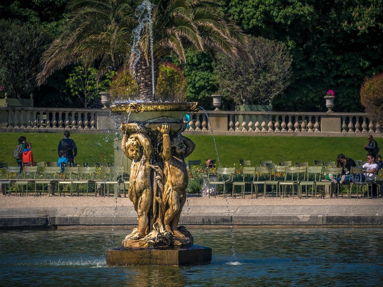 Fountain Luxembourg Gardens Paris