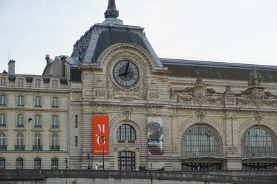 Musee d'Orsay (former train station)