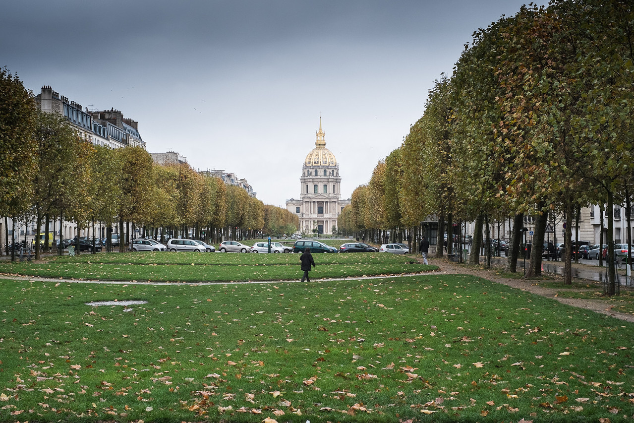 Les Invalides, is a hospital and retirement home for French Military.  It is visible from many points in this area.