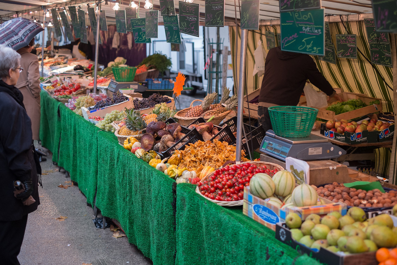 The Saxe-Breteuil market starts at Place de Breteil,  and stretches down to Avenue de Segur.  The market is every Thursday and Saturday.