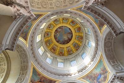 The rotunda of Napolean's Tomb