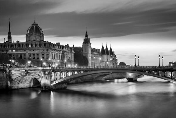 REF010 - Paris en Noir et Blanc par Antonio GAUDENCIO Auteur Photographe