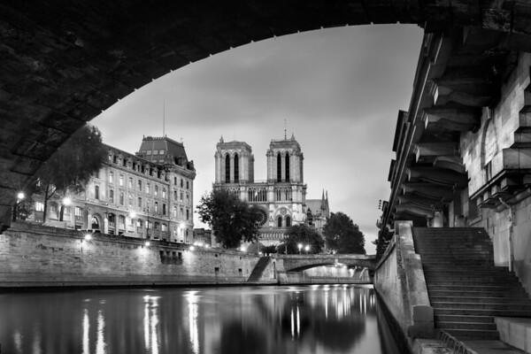 REF007 - Paris en Noir et Blanc par Antonio GAUDENCIO Auteur Photographe