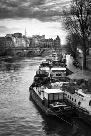 REF016 - Paris en Noir et Blanc par Antonio GAUDENCIO Auteur Photographe