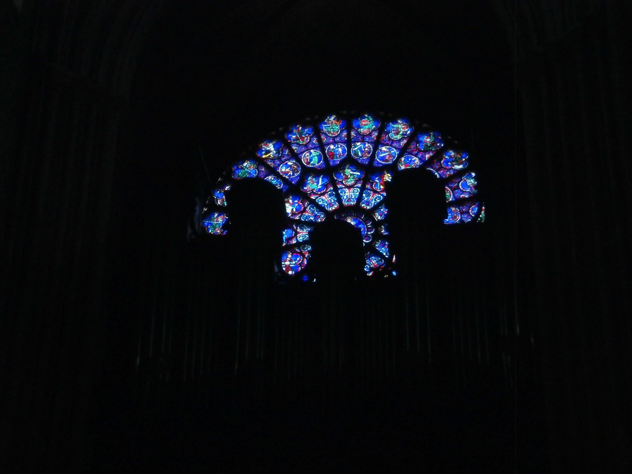 Rose window and organ in Notre Dame