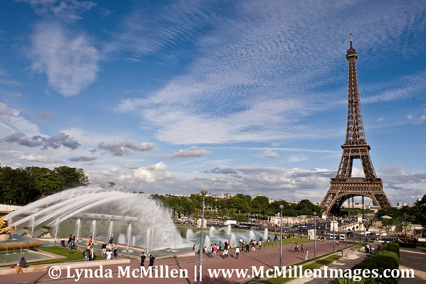 Eiffel Tower from place du Trocadero (landscape)