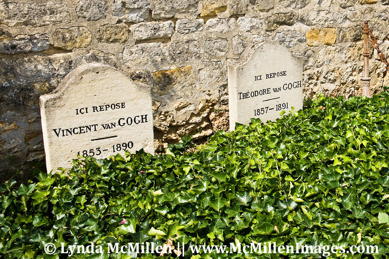 Vincent Van Gogh and Brother Theo's graves