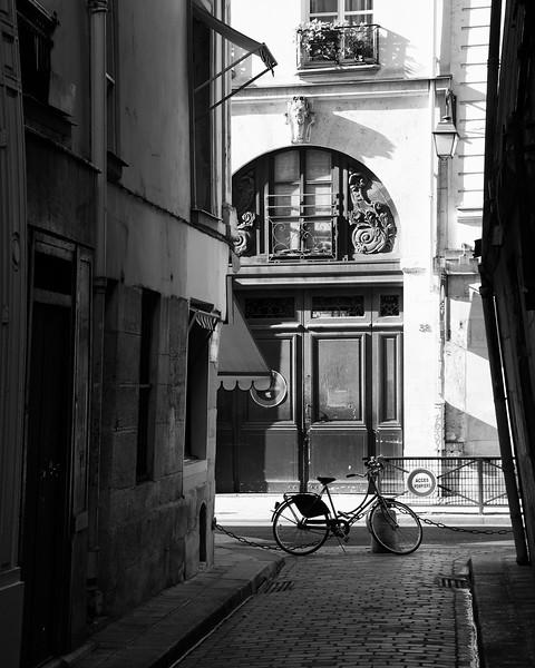 Paris Alley View