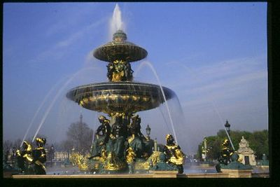 Place de la Concorde fountain