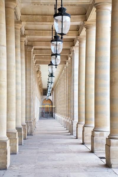 Paris Colonnade