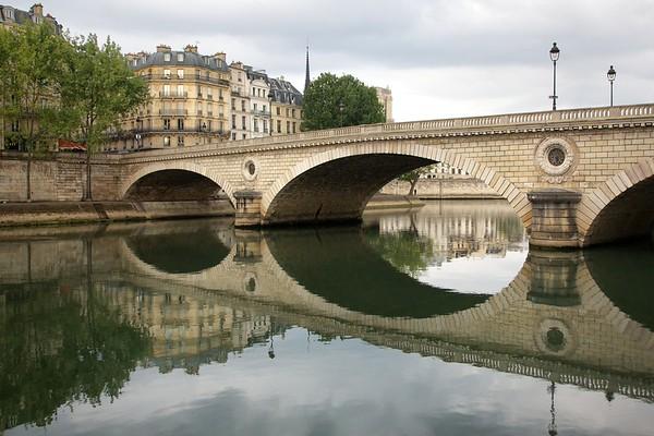 Paris Pont Philippe Reflection