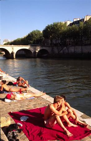 Paris plage (Beach along the Seine each summer) - 2