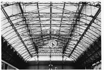 16.30 hours, Gare de l'Est