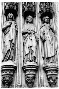 Portico saints