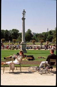 Relaxing in the Jardin du Luxembourg