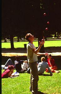 Juggler in the Jardin du Luxembourg