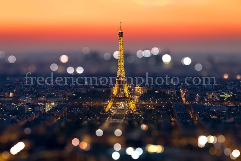 Sunset on Eiffel Tower