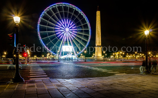 Concorde square in Paris by night