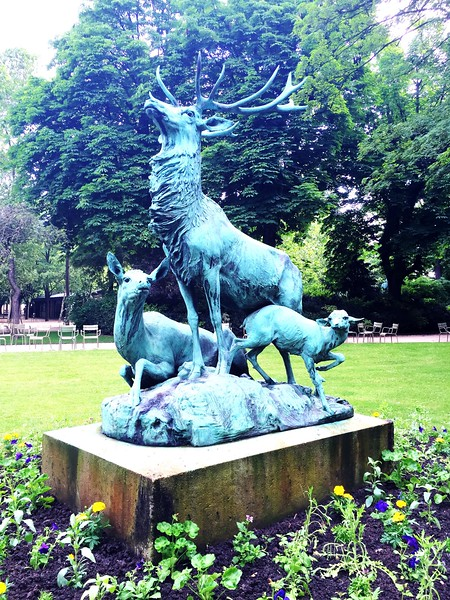 Stag statue, Jardin Luxembourg