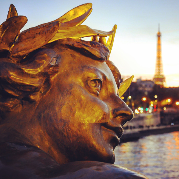 Statue on the Pont Alexandre III in Paris. 2016.