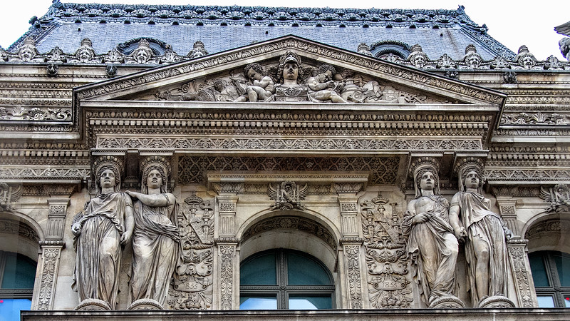 Facade to the Louvre