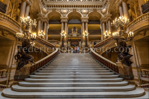 Hall of the Garnier Opéra of Paris