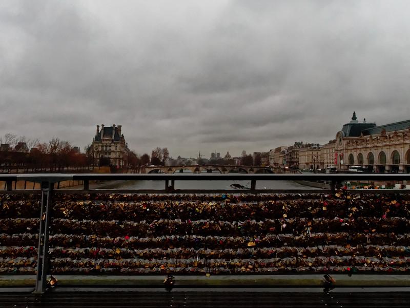 Paris, Seine, Passerelle de Solferino, Liebesschlösser