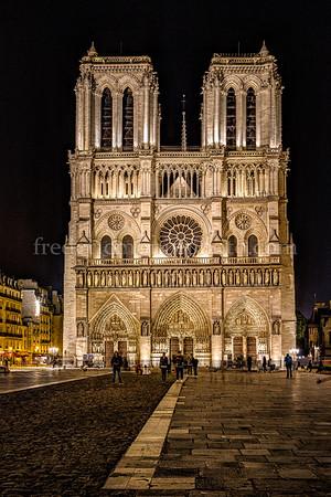 Notre Dame de Paris ...